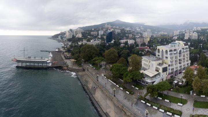 Турки в Крыму применили мягкую силу? Коц высказал подозрения