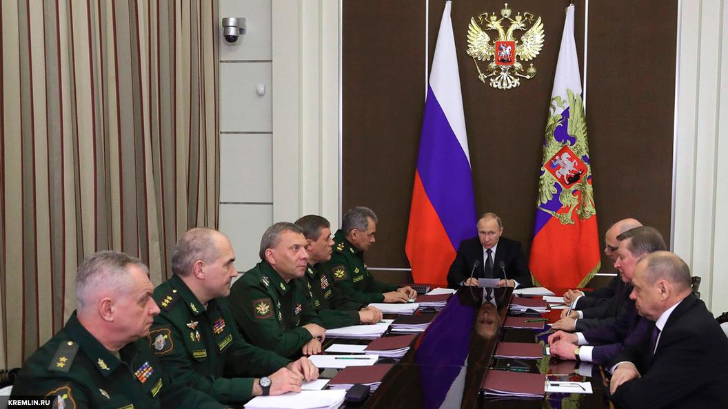 Минобороны: МиГ-31 перехватил норвежский Орион у российской границы