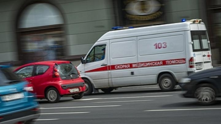 В Кузбассе грузовик протаранил автобус: Пострадали 11 человек