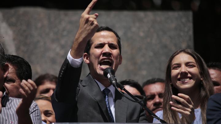Самозванец Гуайдо нанял американских лоббистов после проблем сдоступом квенесуэльской нефти - СМИ