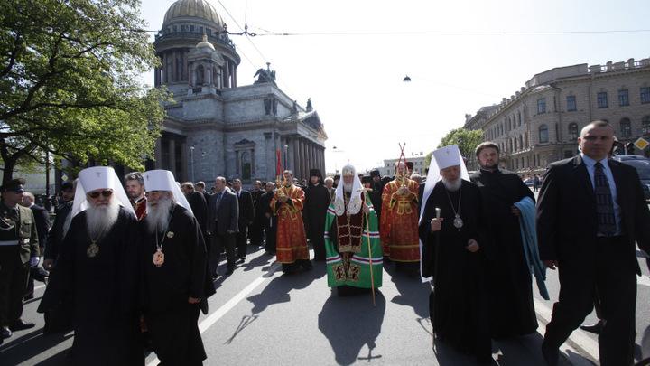 Вокруг Исаакиевского собора верующие устроят два крестных хода