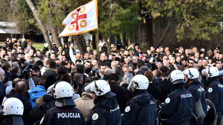 США руками мафии ликвидируют каноническое Православие в Черногории