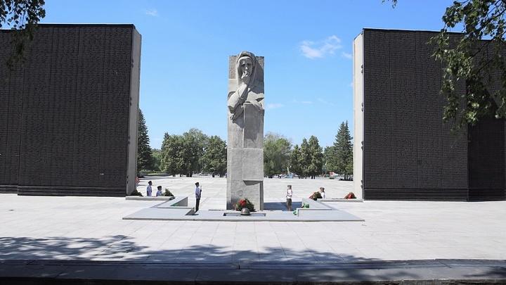 В ночь на 22 июня небо над Новосибирском осветили «Лучи памяти»