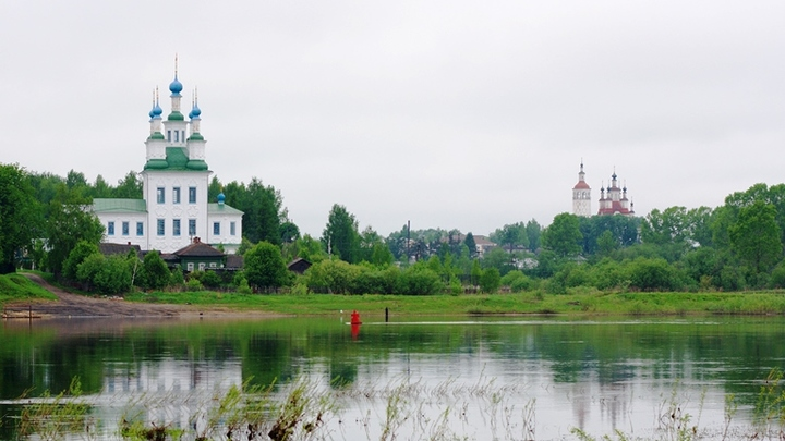 Вид на Тотьму с реки. Фото: Vadim Subbotin/shutterstock.com