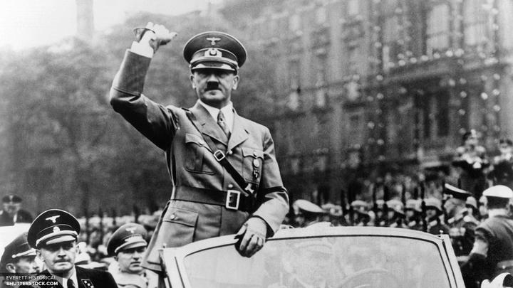 Впервые опубликованы признания телохранителя, обнаружившего тело Гитлера после самоубийства