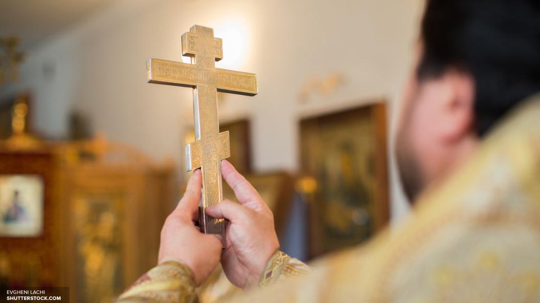 Освященные в монастыре люксовые iPhone 7 поступят в продажу к Пасхе