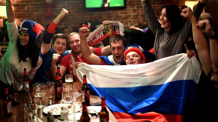 Сборная России вновь стала любимой: как страна  отпраздновала победу над  Египтом