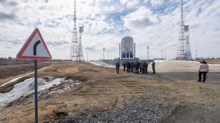 Воруют сотнями миллионов: Путин раскритиковал строителей космодрома Восточный
