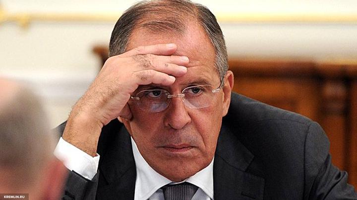 Лавров пояснил противоречия во введении Киевом транспортной блокады Донбасса