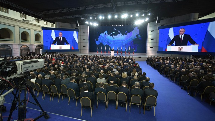 Запретили Горе от ума и здравый смысл: До свидомых украинцев не дошла шутка Путина про Крым