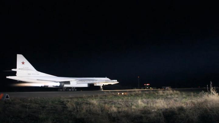 Ту-22М3 уничтожили командные пункты и склады террористов в провинции Дейр-эз-Зор