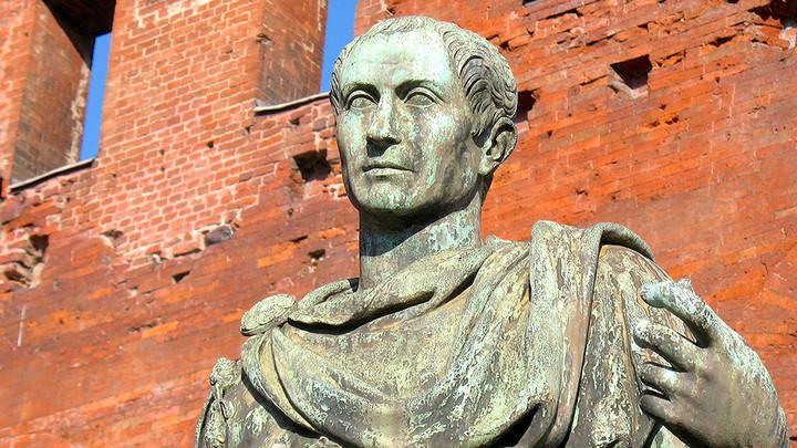 Юлий Цезарь: Спектакль о жажде власти, о пороках, которые со времён Шекспира не изменились