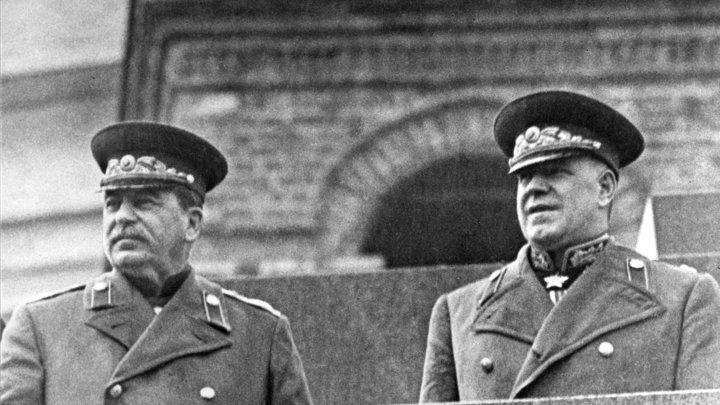 Запрещённая фотография Сталина в Кремле: Эмоции после нападения Германии показал Reddit