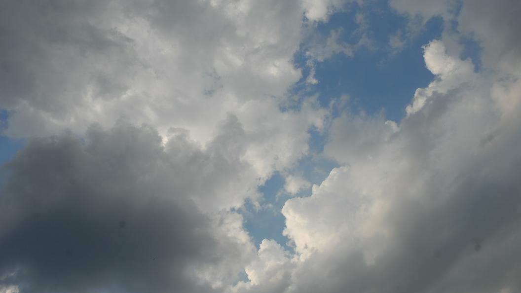 Водяной смерч в Сочи попал в объективы камер туристов