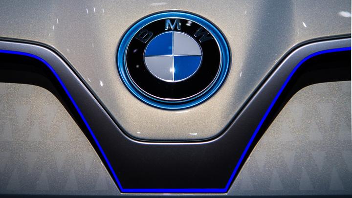 Президент Туркмении показал мастер-класс за рулем гоночного BMW