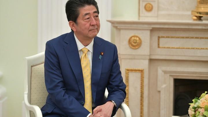 Синдзо Абэ расшифровал название новой эры правления императора Японии заявлением о культуре и заботе