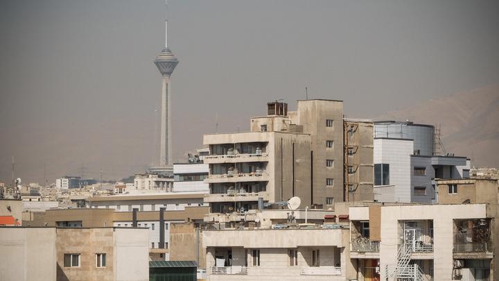 Спускают страну под откос по знакомой методичке: В Иране продолжаются протесты из-за цен на бензин