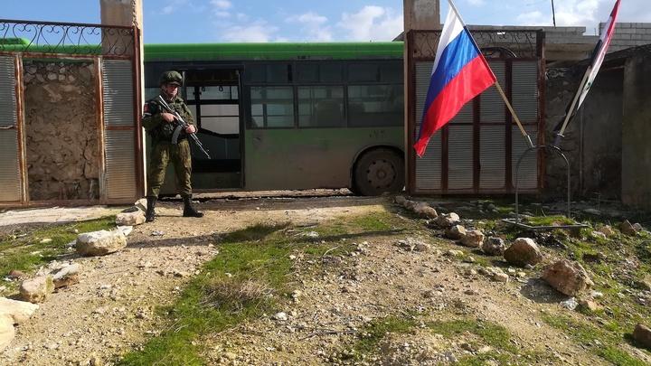 Американцы пришли и сели на дороге к русской базе: Как русский конвой остановили в Сирии - реконструкция событий