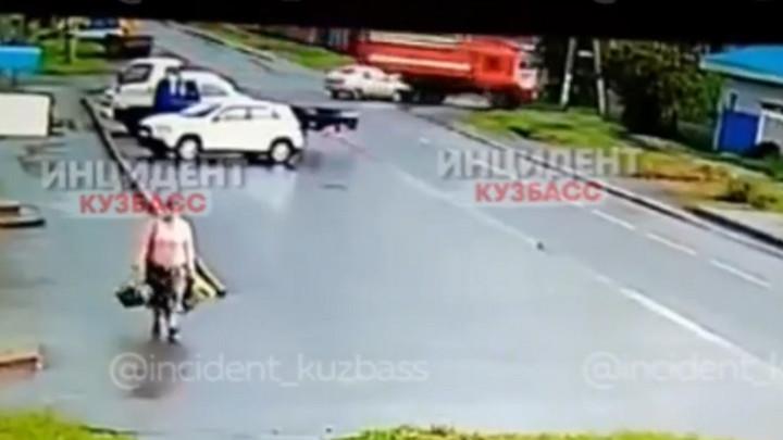 В Кемерове ищут свидетелей ДТП с участием пожарного автомобиля