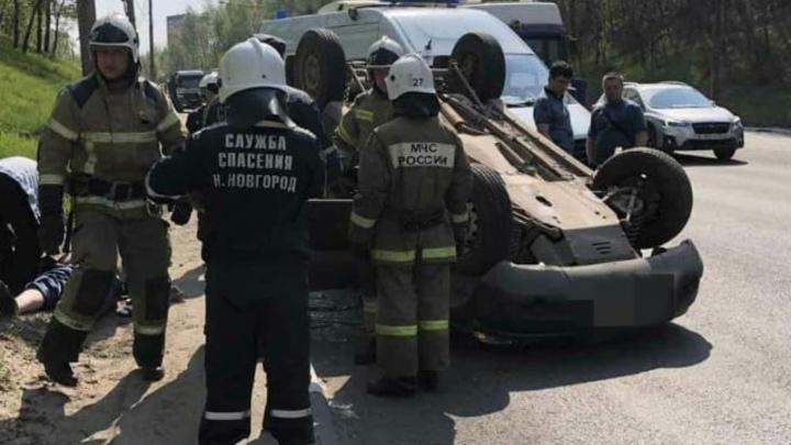 """В Нижнем Новгороде водитель """"Нивы"""" умер за рулем: машина перевернулась"""