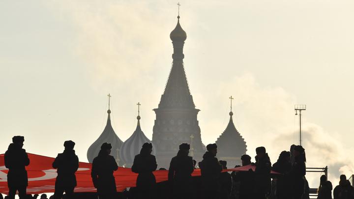Бог должен быть в Конституции: Религиозные деятели России едины в этом