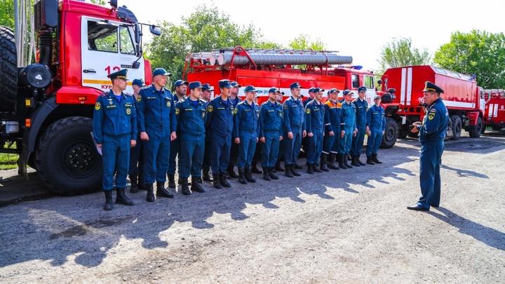Отряд пожарных и спасателей из Курганской области отправили в cоседний регион