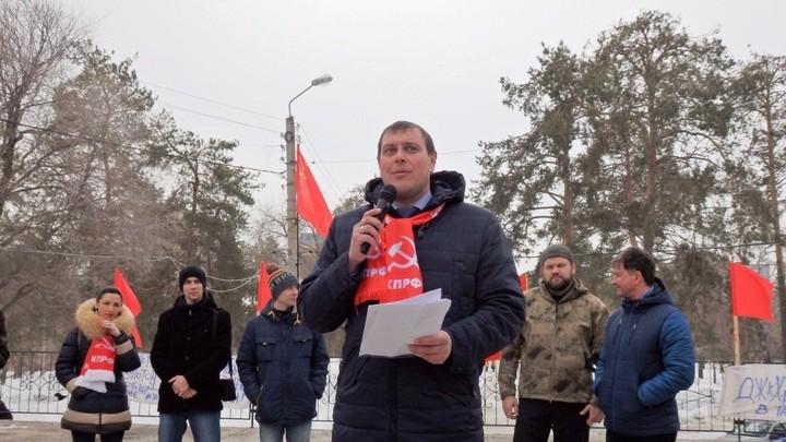 Коммунист из Тольятти объяснил, почему его дети учатся в России