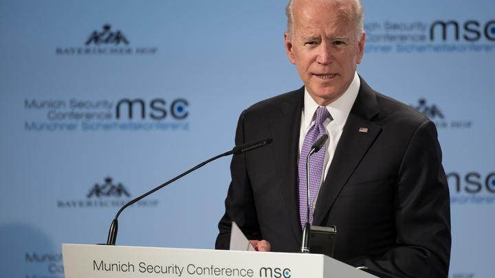 США и Обама заставили ЕС ввести санкции против России: Джо Байден рассказал, как всё было