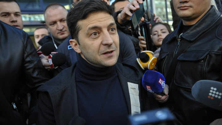 Штаб Зеленского объяснился за неявку на дебаты с Порошенко: Дебаты сегодня не должны были проходить