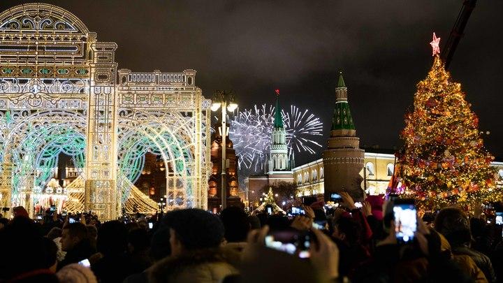 Это как отменить восход солнца: Москвичи задумали бунт из-за запрета Собяниным новогодних гуляний