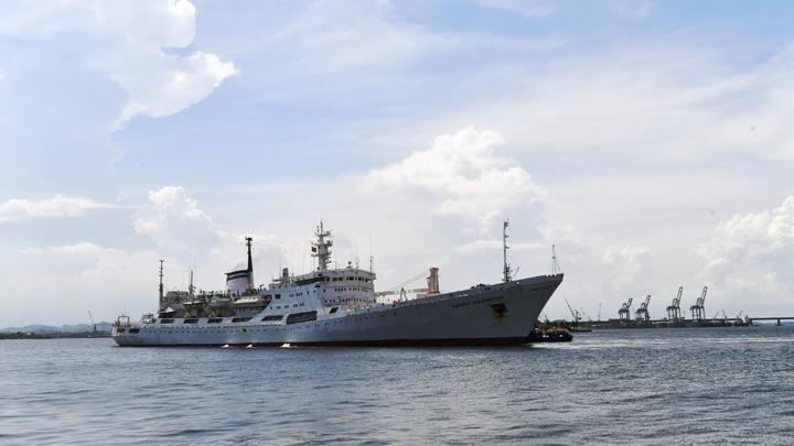 Больных в России отправят в морской рейс. На курс выходит корабль-госпиталь