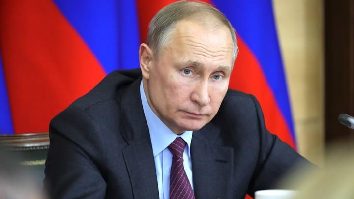 Оперативное совещание: Путин обсудил с членами Совбеза угрозу коронавируса