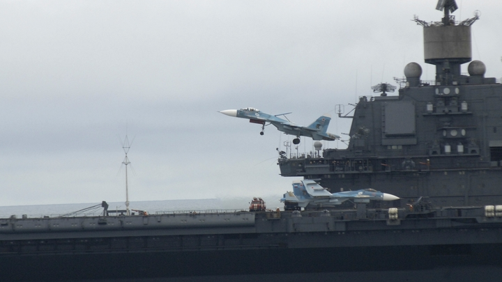 Зашёл в рубку, и начался пожар: На Адмирале Кузнецове пропал капитан 3-го ранга - источник