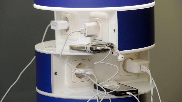 В Татарстане бюджетникам запретили заряжать телефоны и кипятить чайники на работе