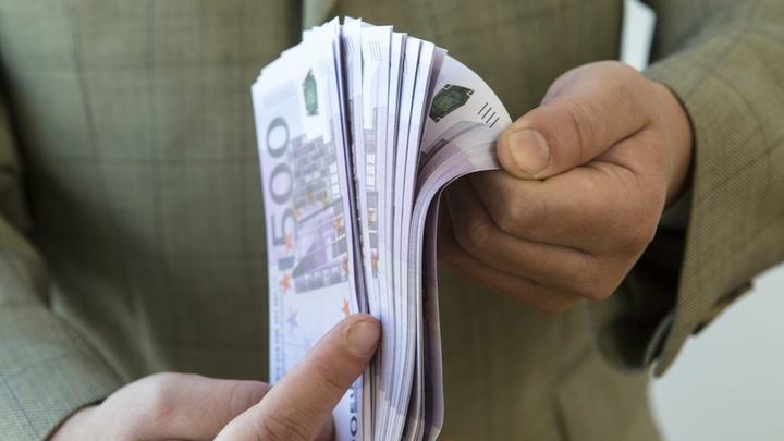 Правительство заискивает с офшорными олигархами, чтобы к ним сбежать - Пронько