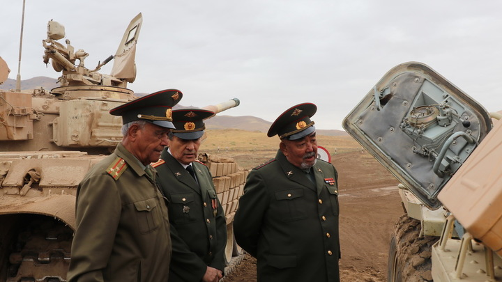 Граница уже в руках Талибана*: Таджикистан ждёт русских