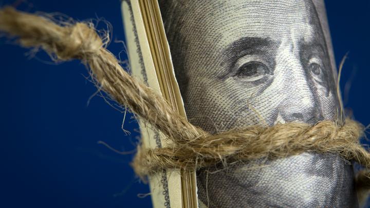 В ФНБ доллар упал до нуля: Мы сняли с себя риски