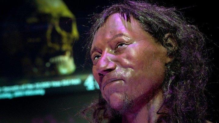 Британские ученые: Съеденный каннибалами человек из Чеддара был голубоглазым и смуглым