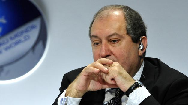 Президент Армении призвал КС рассмотреть закон о «нераспускаемом» парламенте