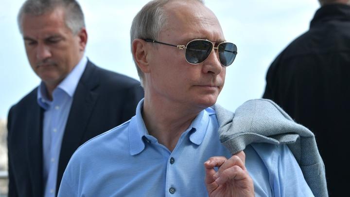 Школьница из Петербурга обещала беречь гитару от Владимира Путина
