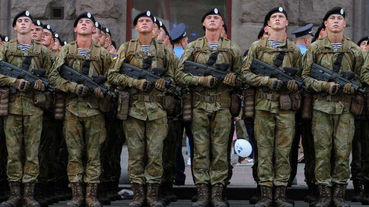 Украинских депутатов призвали не позориться заявлениями о боеготовности армии