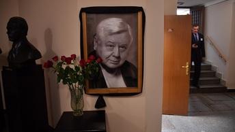 Олег Табаков похоронен на Новодевичьем кладбище в Москве