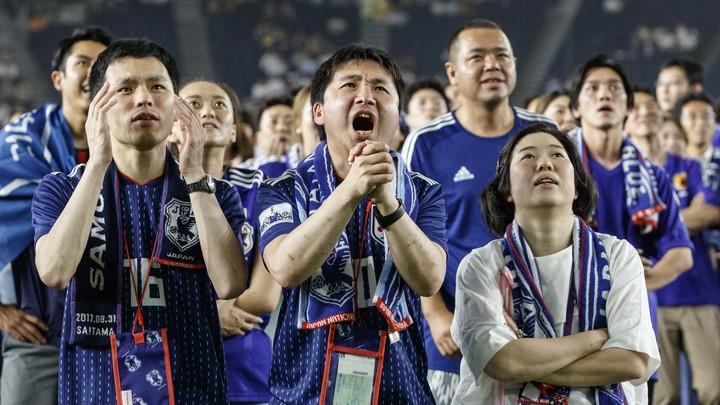 Болельщики Японии и Сенегала сами убрали за собой мусор со стадионов ЧМ-2018