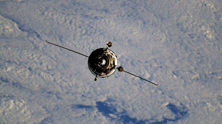 Космическая диверсия - первая в истории: Как туалетный кризис связан с дыркой на МКС