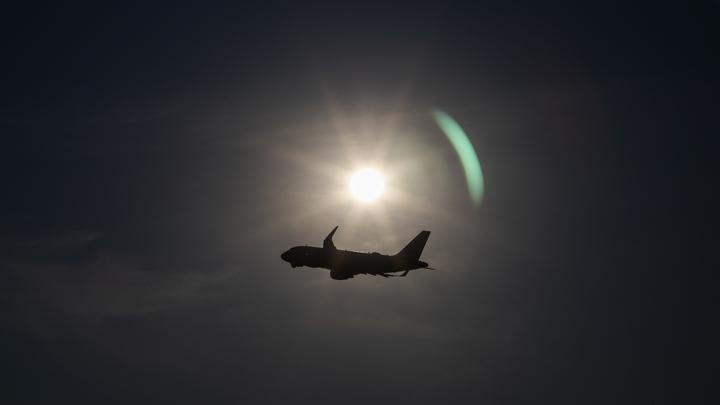 Развернули Boeing ради ракетной атаки? Источник указал на деталь в ночном обстреле Сирии