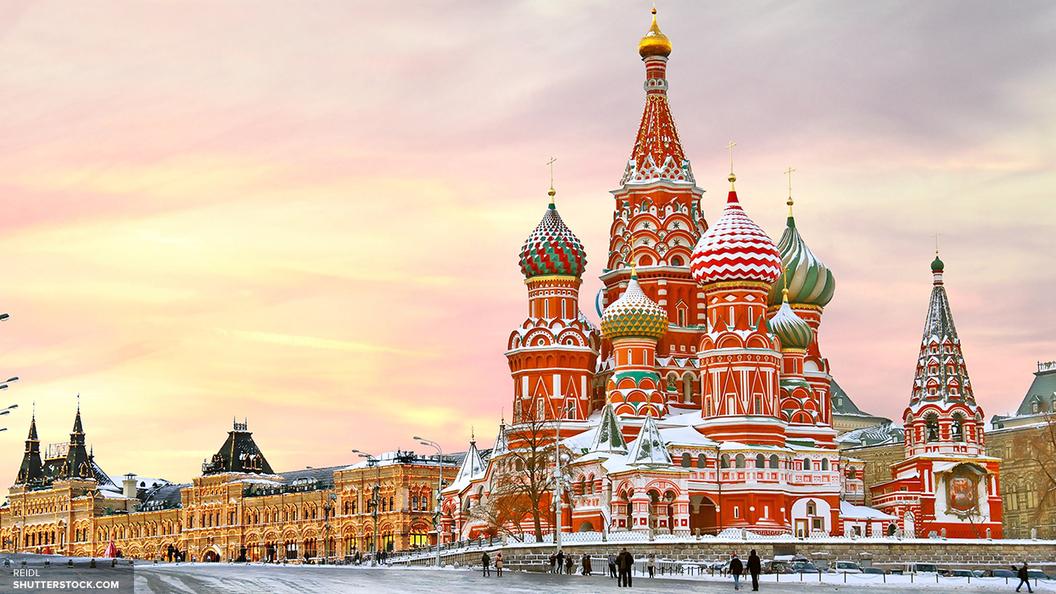 После майского снегопада в российской столице образовался снежный покров