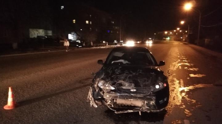 Ребенок, вылетевший из машины при ДТП в Свердловской области, умер в больнице