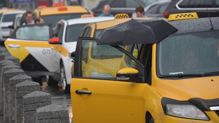 Дожди не спасут водителей от штрафов: Автоюрист о новой инициативе ГИБДД