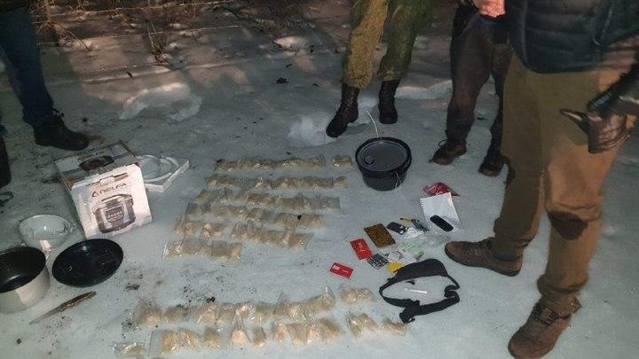 Турист из Украины протащил в Ростовскую область 3 кг наркотиков. Но далеко от границы не ушёл