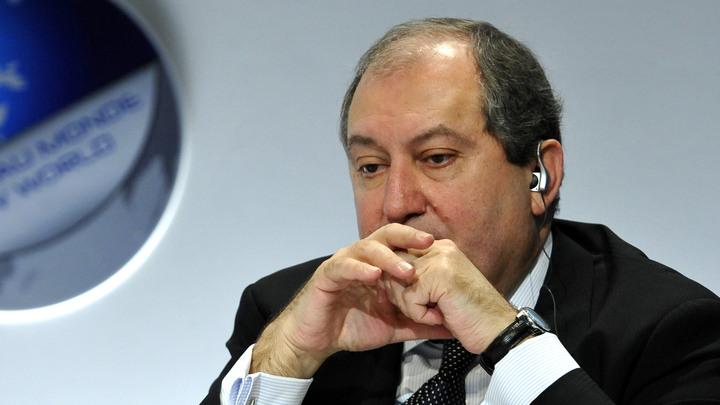 На поводу у Пашиняна: Президент Армении уволил глав двух силовых ведомств